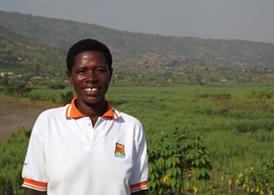 Entrevista a Claudine Mukamana, miembro de la cooperativa de mujeres Abaticumugambi de Ruanda Image