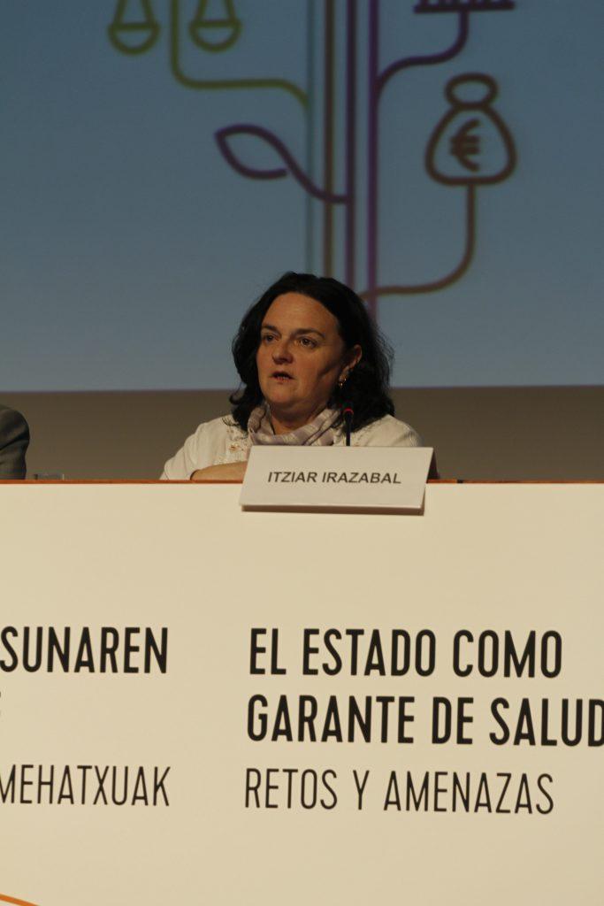 Itziar Irazabal, presidenta de medicumsundi bizkaia en el acto de inauguración