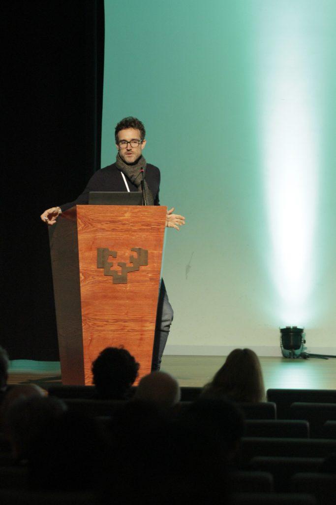 Ivan Zahínos de medicusmundi mediterranea presenta la realidad Africana
