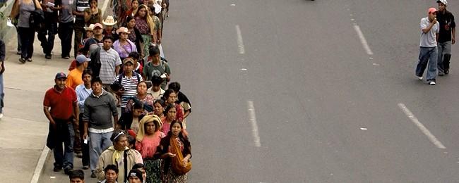 Hombres y Mujeres Mayas frente a la Minería Transnacional Image