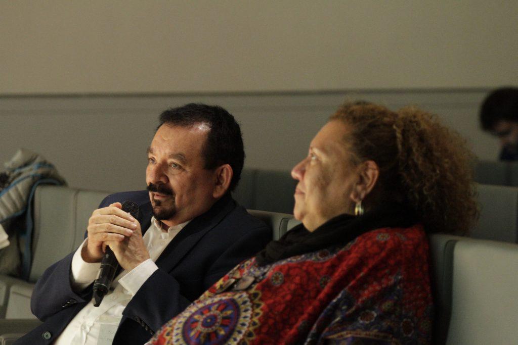 Eduardo Espinoza y Margarita Posada participando en el turno de preguntas