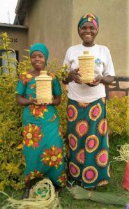 Mujeres de la cooperativa de Karama el 26_04_2018 durante la formación en cestería