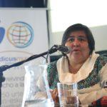 Maria Dolores Marroquín en su presentación sobre la situación de la violencia contr las mujeres en Guatemala y su reflejo en los medios de comunicación. (Foto: Ecuador Etxea)