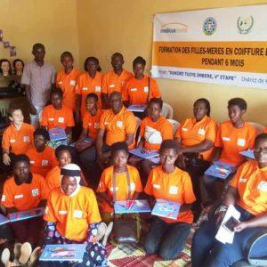 Iniciamos las formaciones a madres adolescentes en Ruanda